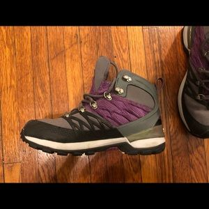 North face hiking boots purple detail new w/o tags